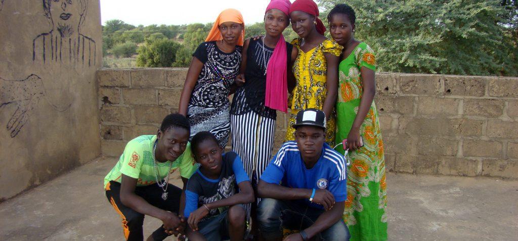 Les 7 élèves de 3e du collège de Ngano